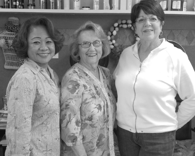 Black-and-White photo of Lanie, Dottie, and Joan used on Dottie's Hair Designs and Gifts at https://dottieshairpensacola.com